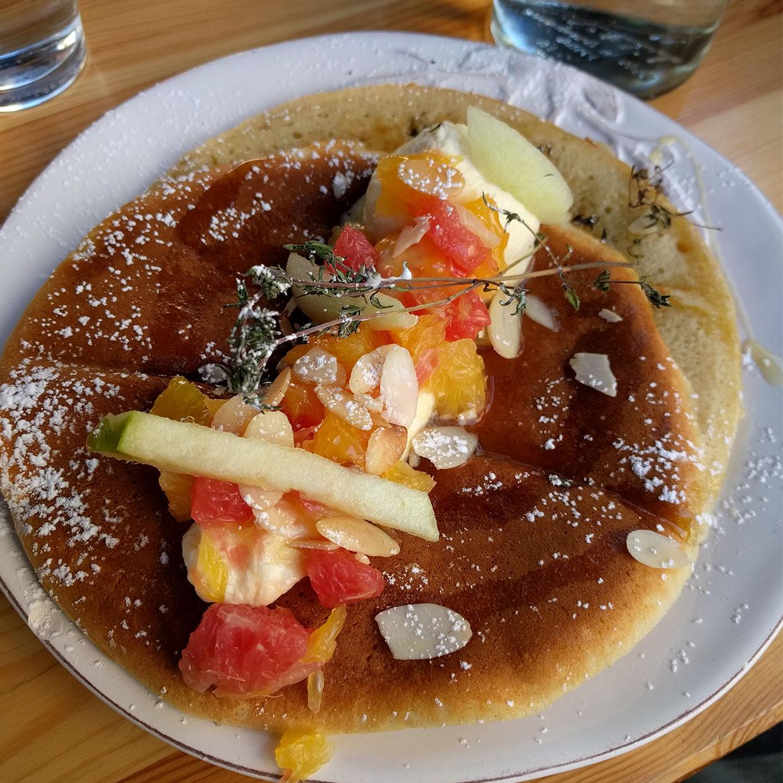 pancakes-fruits
